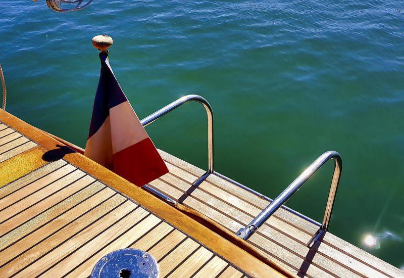 Plage de bain sur bateau