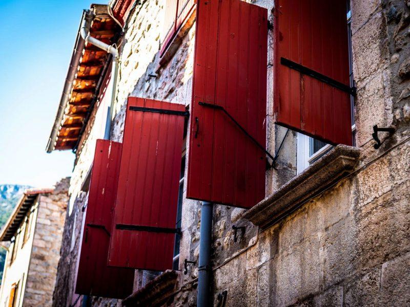 Fenêtre rouge 66