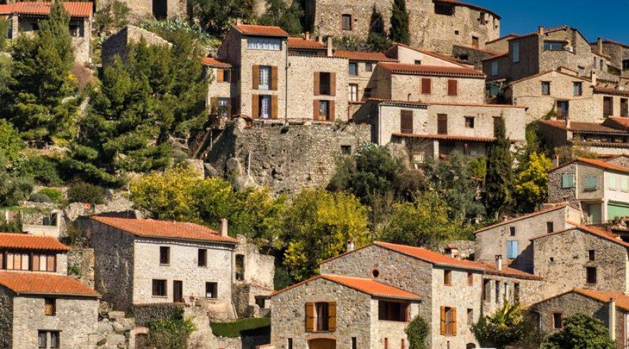 Eus village en pierre