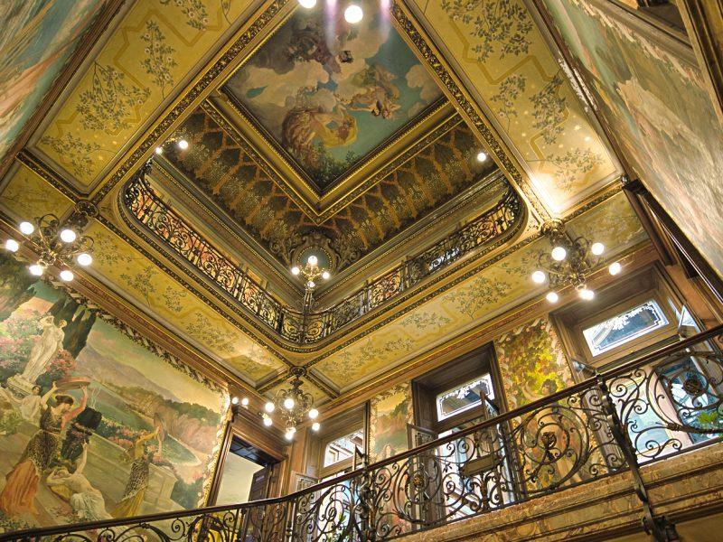 Plafonds de l'Hôtel PAMS Perpignan